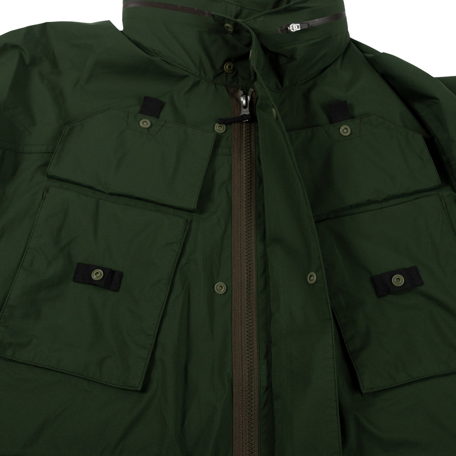 Goldwin Traveler Blouson in Cypress Green Outerwear sportwear hooded hood rain gear all weather zipper