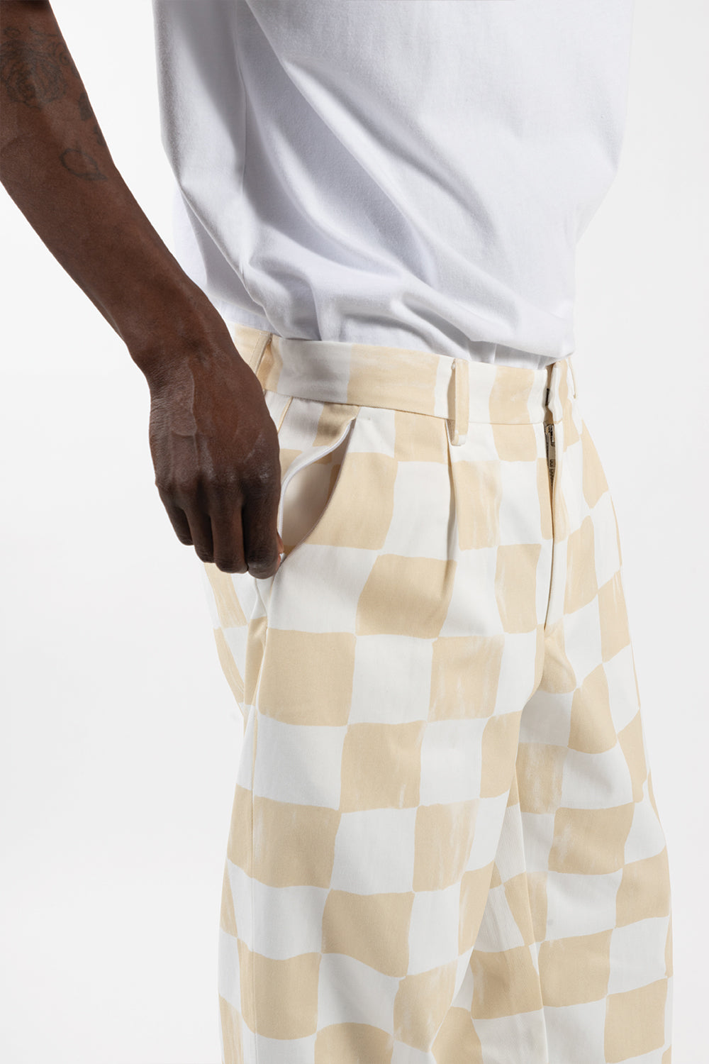 reception-clothing-club-pant-white-beige