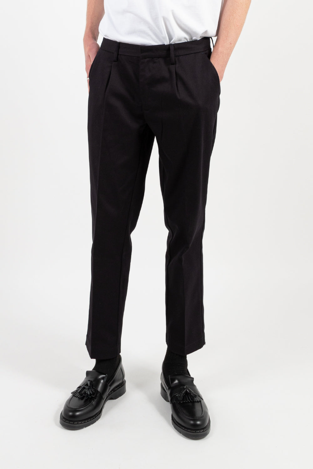 reception club pant in dark navy