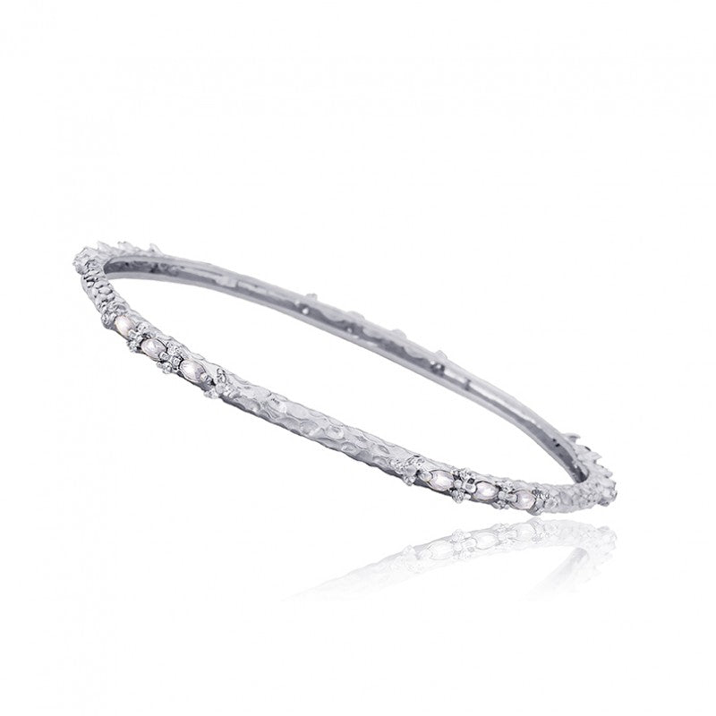 ARCTIC MIST Hammered Bangle