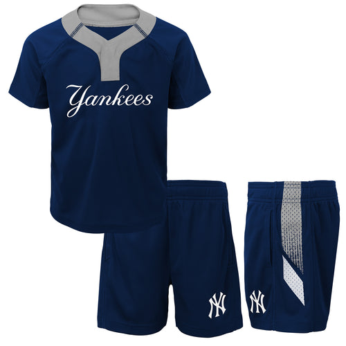 Yankees Boy Performance Shirt and Shorts Set