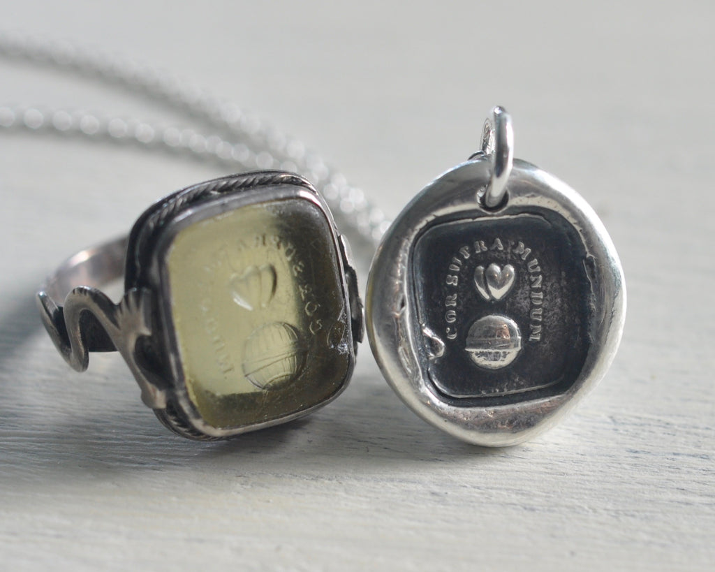 two hearts wax seal necklace