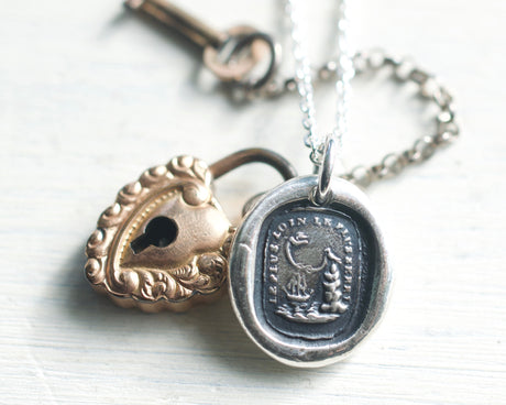 lovebirds wax seal necklace