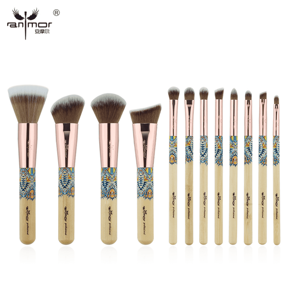 Enjoy a Soft feeling with this smooth Makeup brush Synthetique set