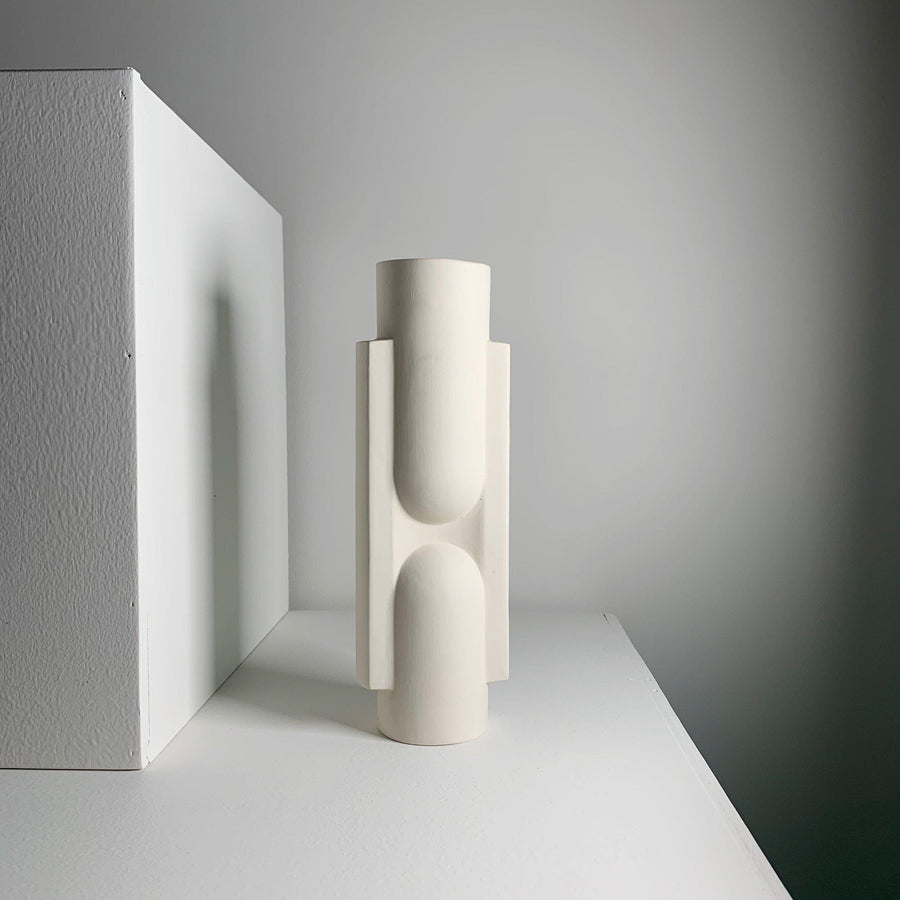 Kala Sculptural Vase / White