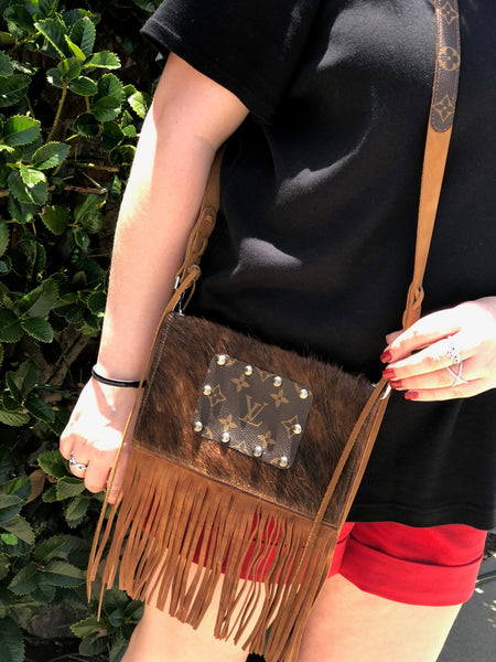 Small Leather Fringe Cross Body Purse Louis Vuitton Detail
