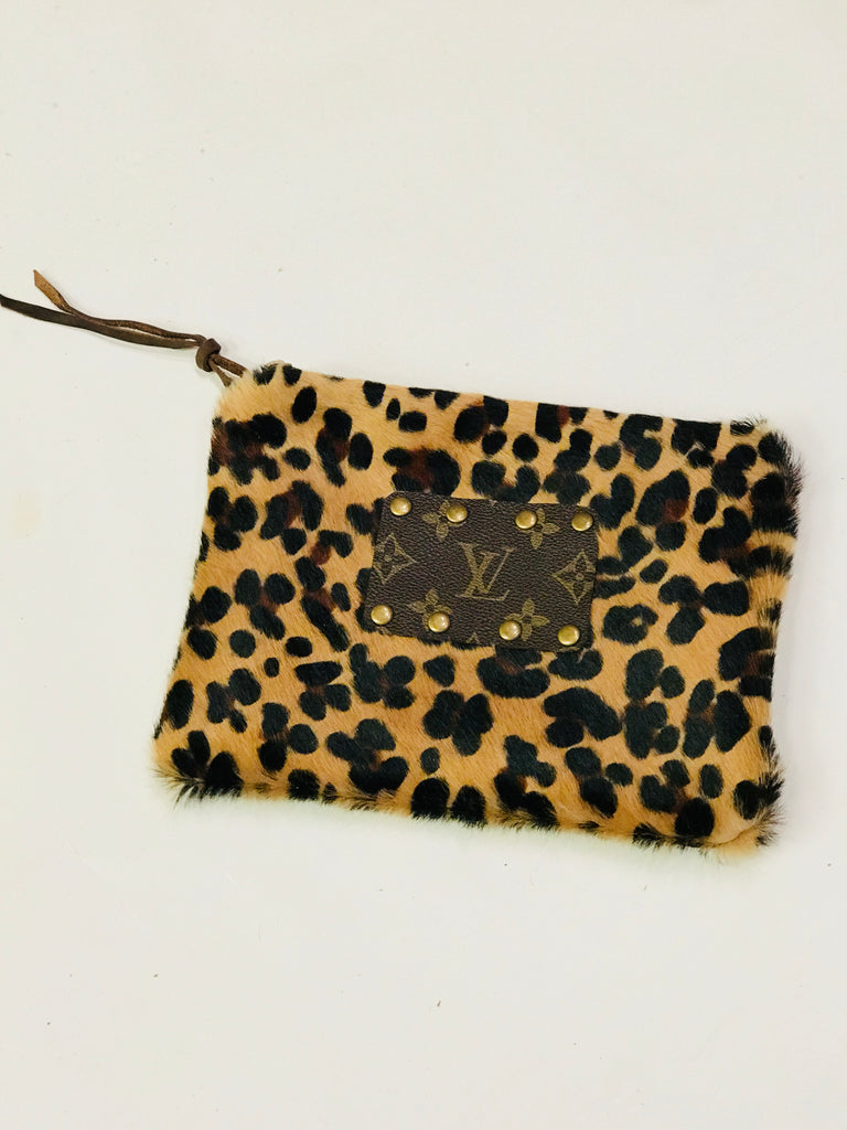 Leopard Louis Vuitton Clutch w leather strap