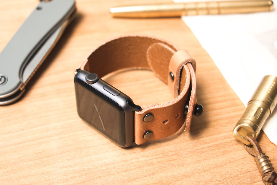 Rivet Apple Watch Band