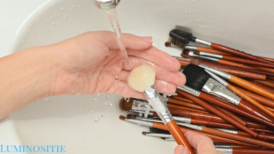 rinsing makeup brushes