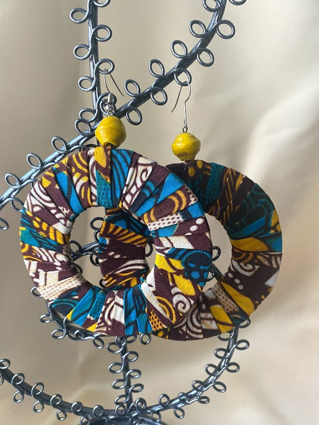 Ankara earrings round in Blue and Yellow