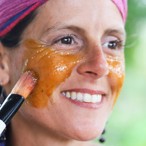 Turmeric honey spiced medicinal facial treatment
