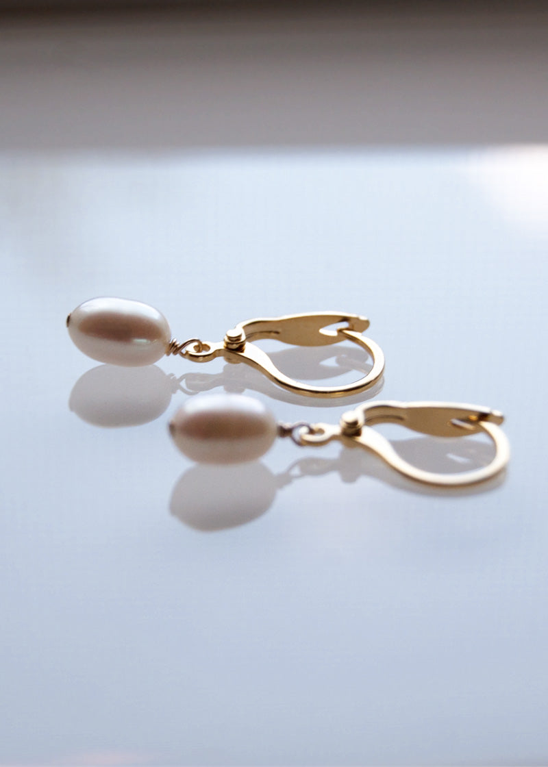 Pearl Drop Earrings, freshwater pearl drops, simple drop earrings, bridesmaids earrings