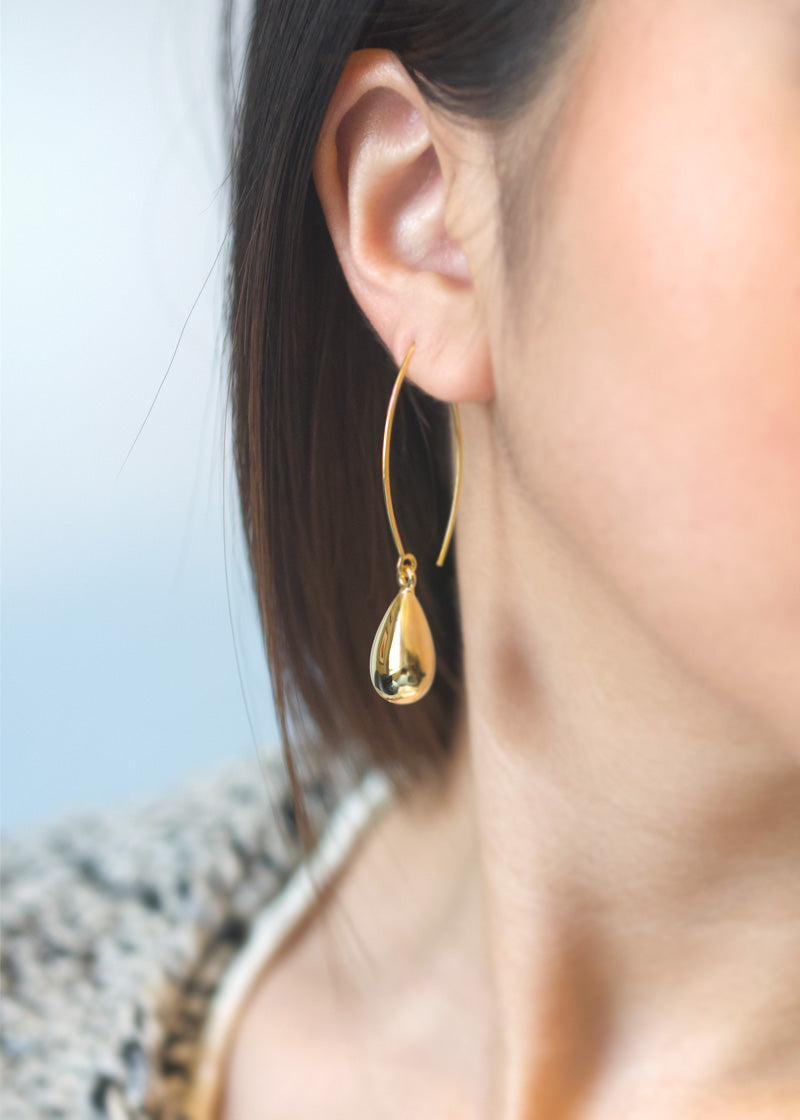 Tear drop earrings gold