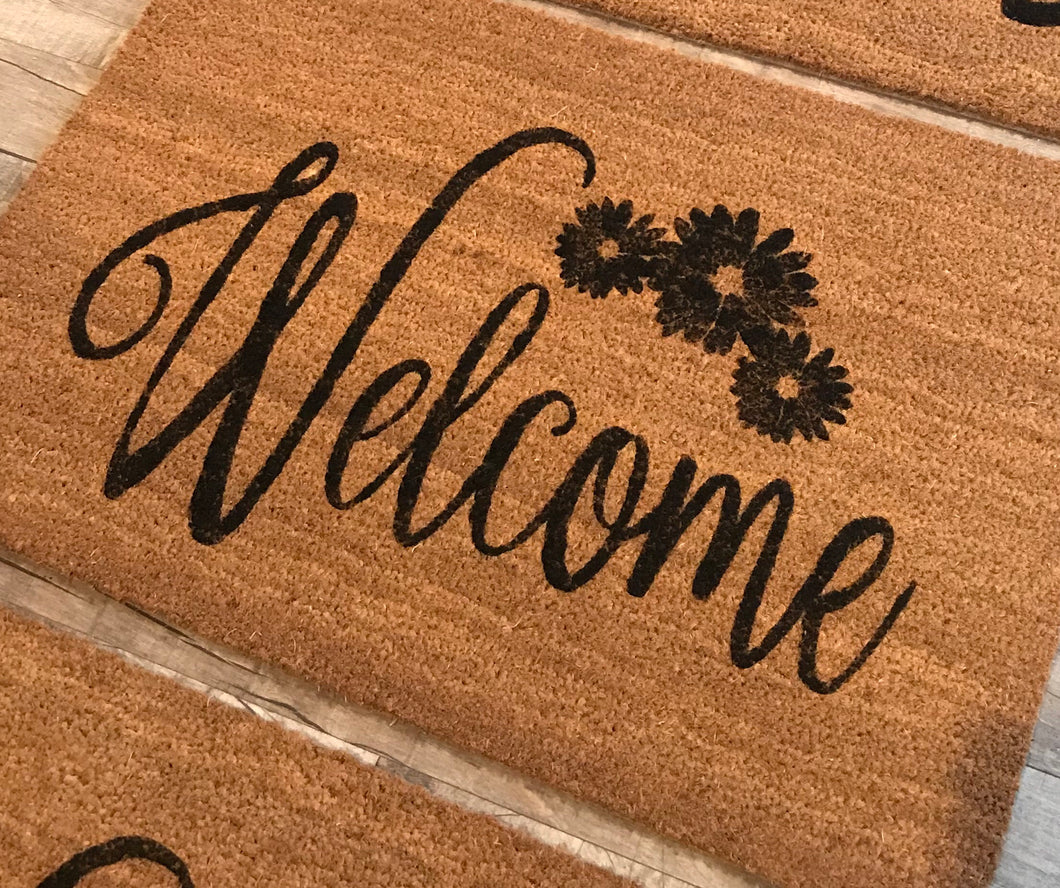 Welcome with daisies doormat