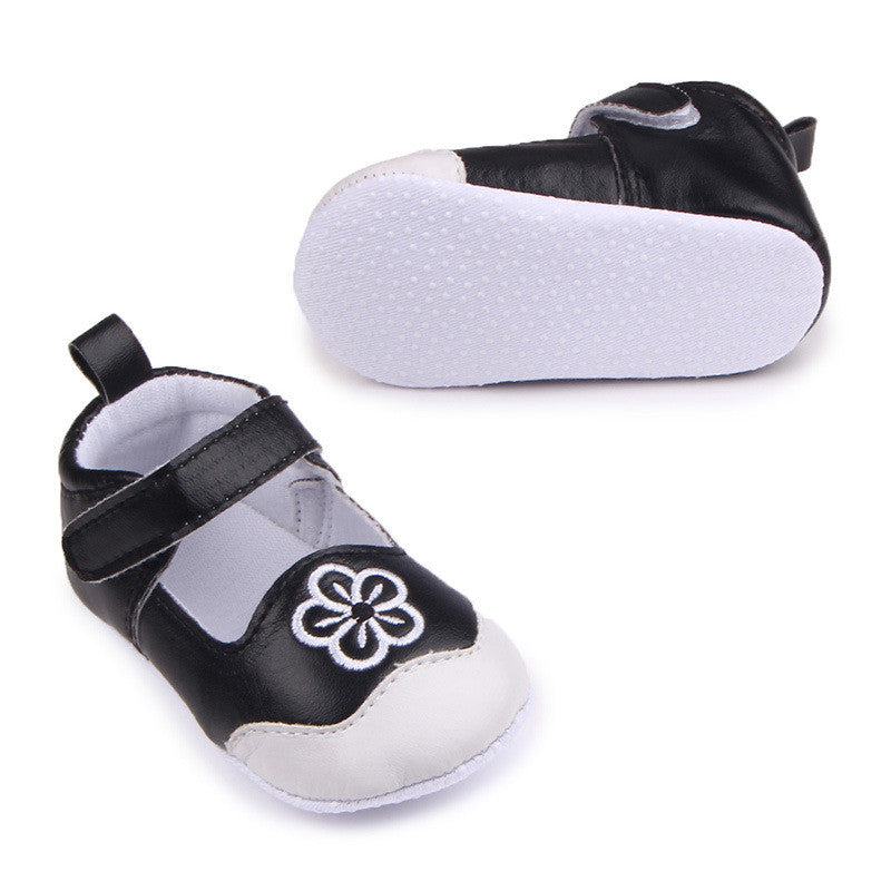 ... New Cute Baby Shoes First Walkers Girls Prewalkers Toddlers Hot Fashion  Floral Flower Newborn PU ... bc765d03f011
