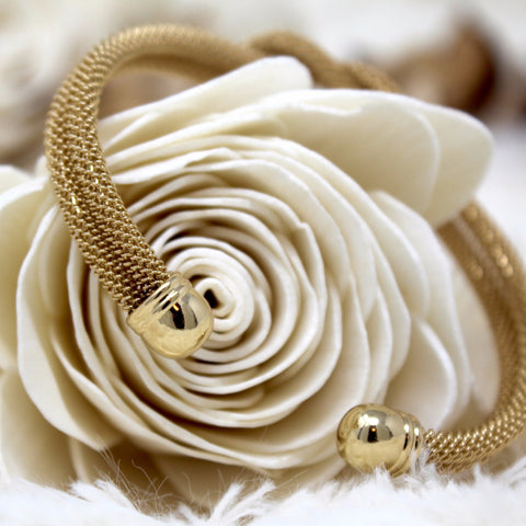 GOLD FRENCH TWIST BANGLE