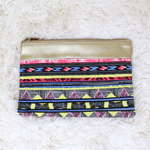 CANVAS RETRO PRINT CLUTCH PURSE