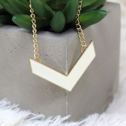 GOLD V WINGS PENDANT NECKLACE