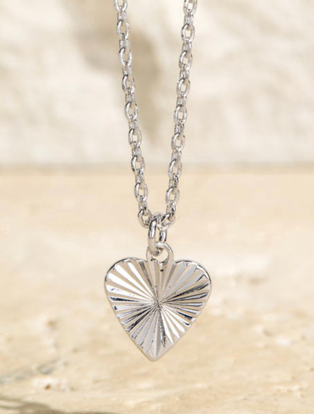 Textured Heart Short Necklace in Gold or Silver