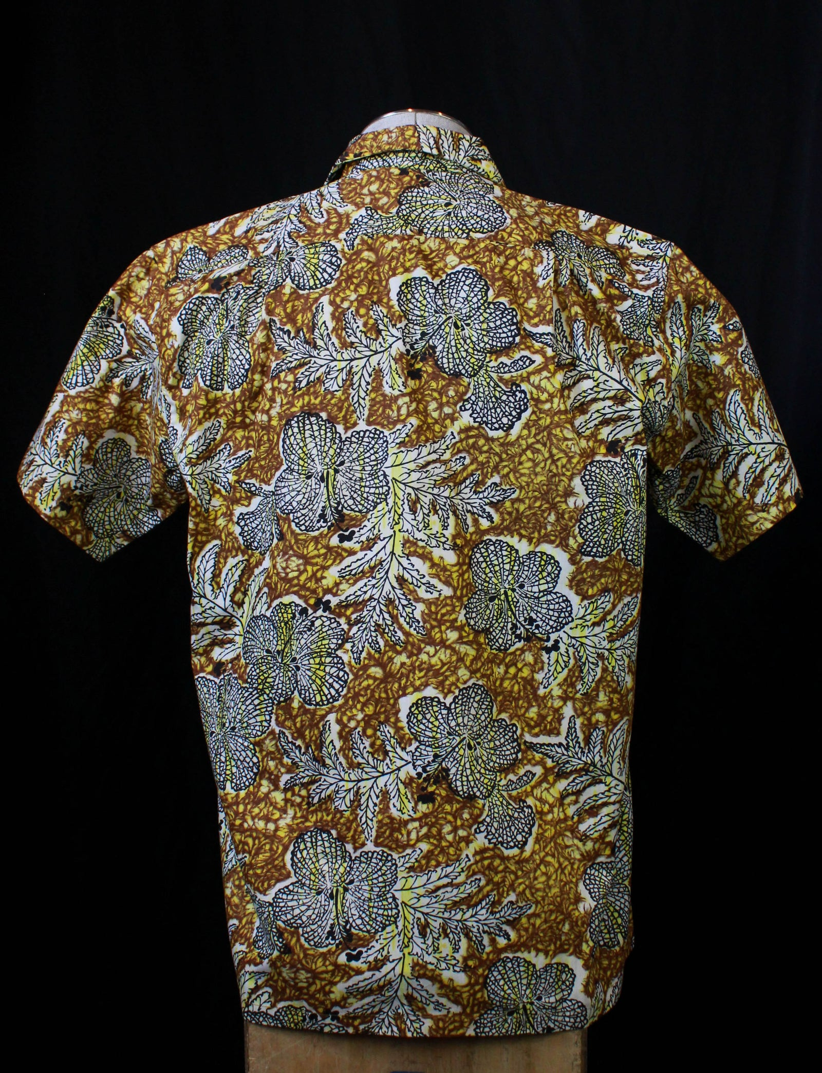 Men's Vintage 60's Made in Hawaii Aloha Hawaiian Shirt Geometric Medium