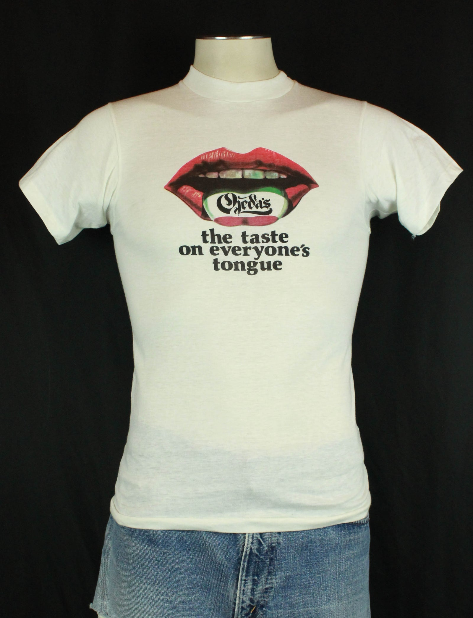 Vintage 80's Ojeda's The Taste On Everyone's Tongue Graphic T Shirt - Small