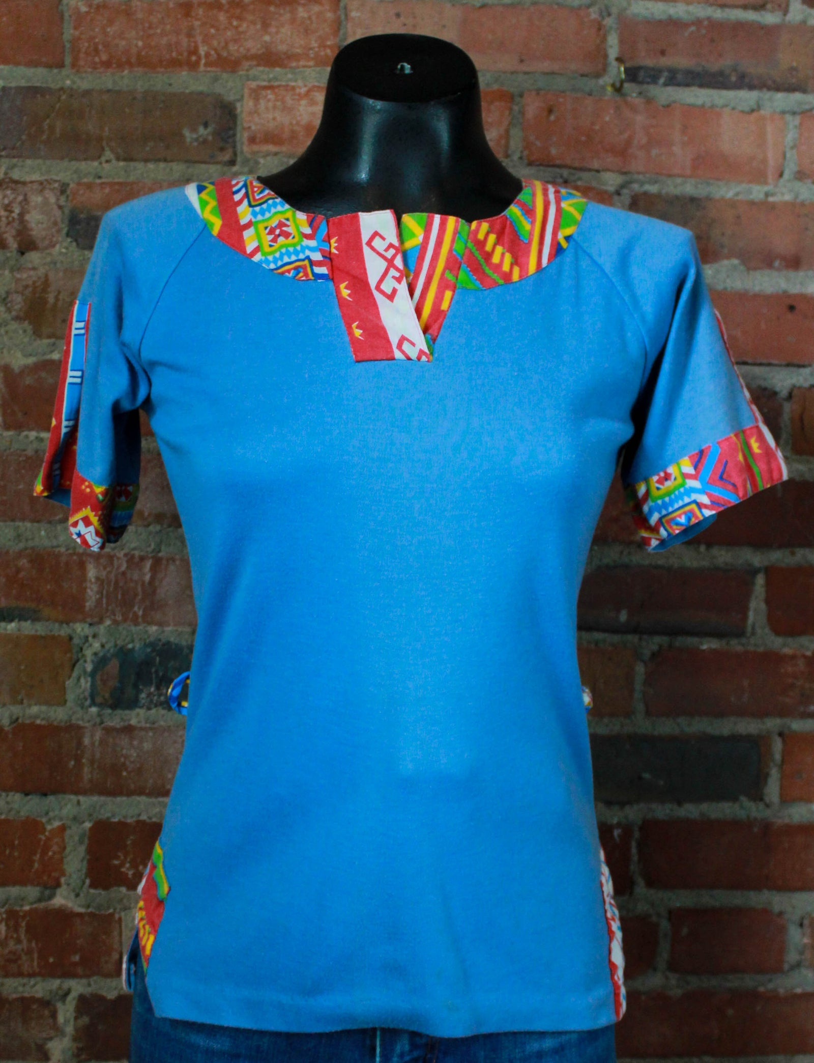 Women's Vintage 70's Geometric Graphic T Shirt Blue Rainbow Blouse Small