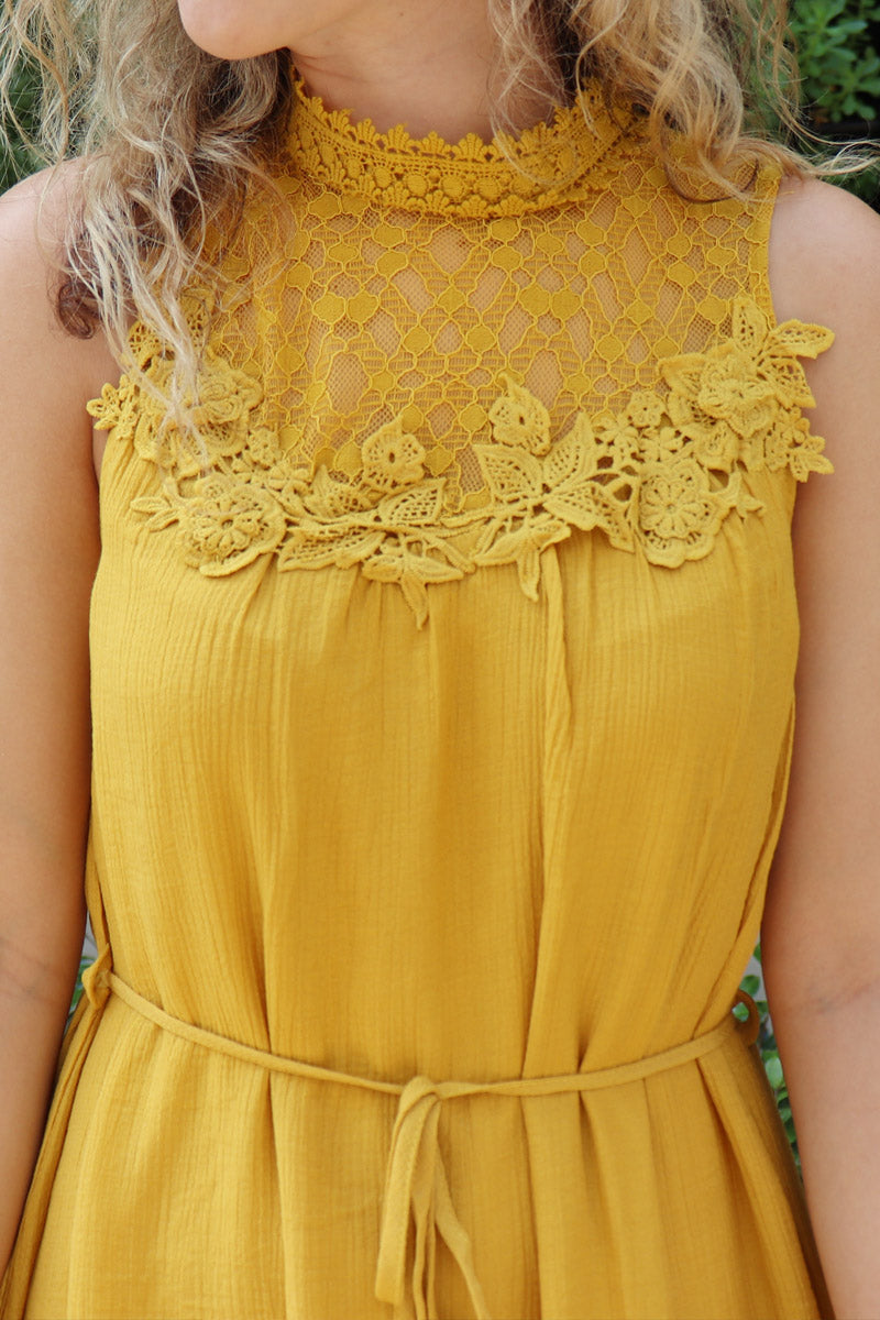 Leslie Sleeveless Lace Dress