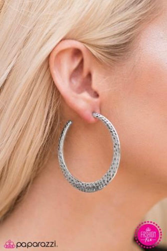 THE WORLD IS SHINE - SILVER HOOPS (5938)