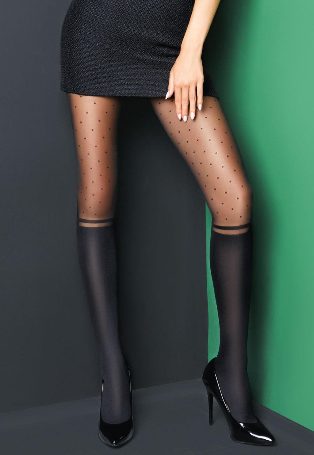 Crazy Daisy 01 Dotted Sheer Tights with Knee-Highs Effect by Giulia in black