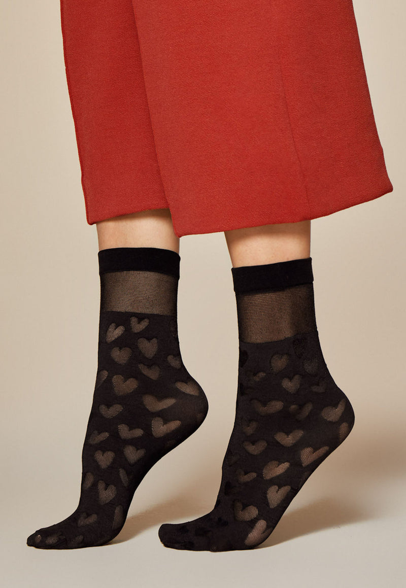 Date Heart Patterned Sheer & Opaque Ankle Socks by Fiore