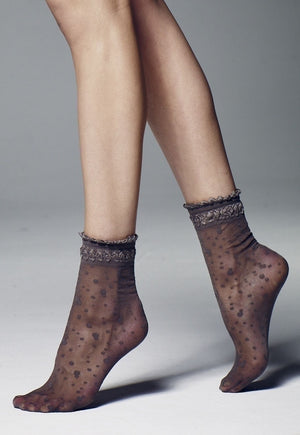 Elvira Spotty Patterned Sheer Ankle Socks by Veneziana in grafitto grey