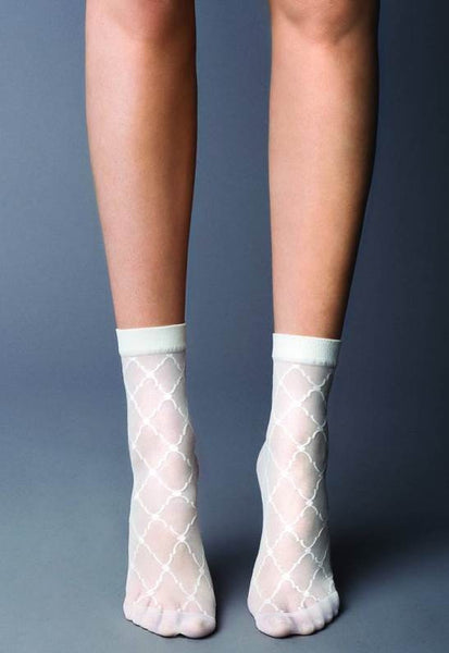 Arabeggio Diamond Patterned Sheer Socks by Veneziana