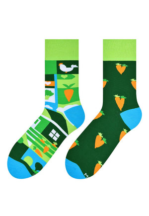 Carrots & Farm Odd Patterned Socks in Green by More