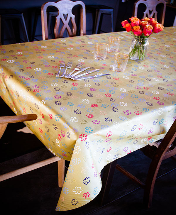 Daisies on Gold Tablecloth