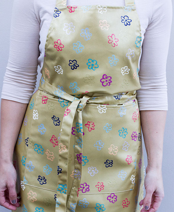 Daisies on Gold Apron