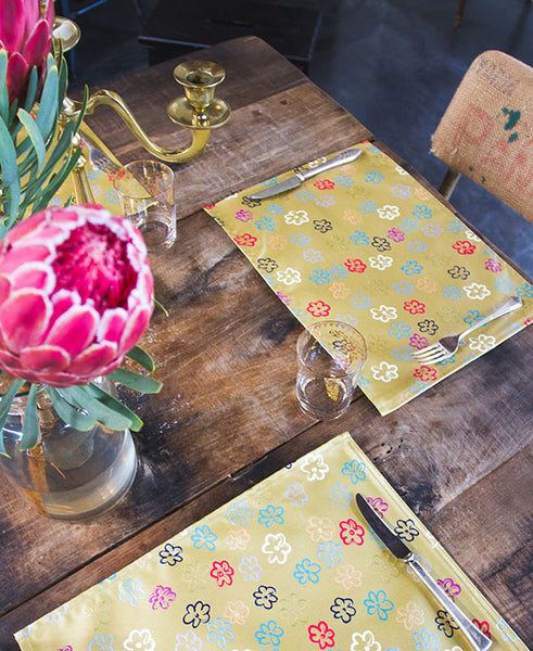 Daisies on Gold Placemats