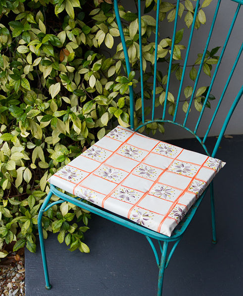 Check with Daisies Chair Cushion