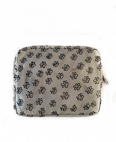 Black Daisies With Silver Tech Bag
