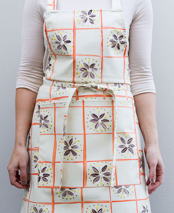 Check With Daisies Apron