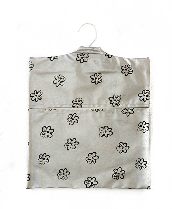 Black Daisies With Silver Peg Bag