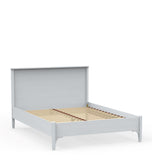 Kingsize bed with low toeboard