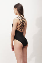 Sade One Piece
