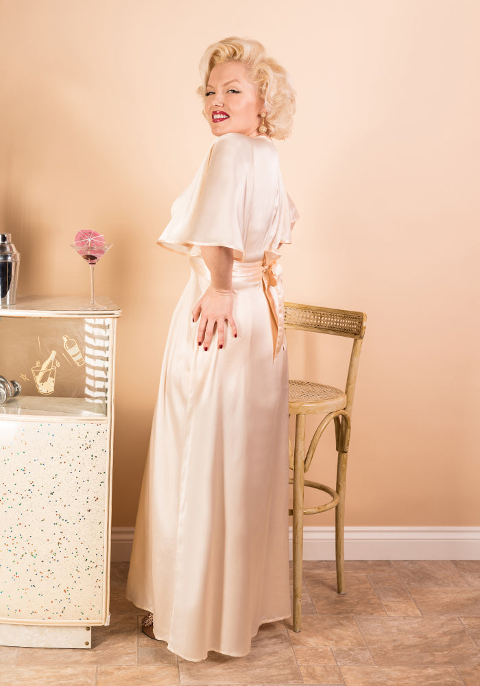 Old Hollywood Glamour: Marilyn Monroe Style Lingerie | Peach Nude Satin Gown
