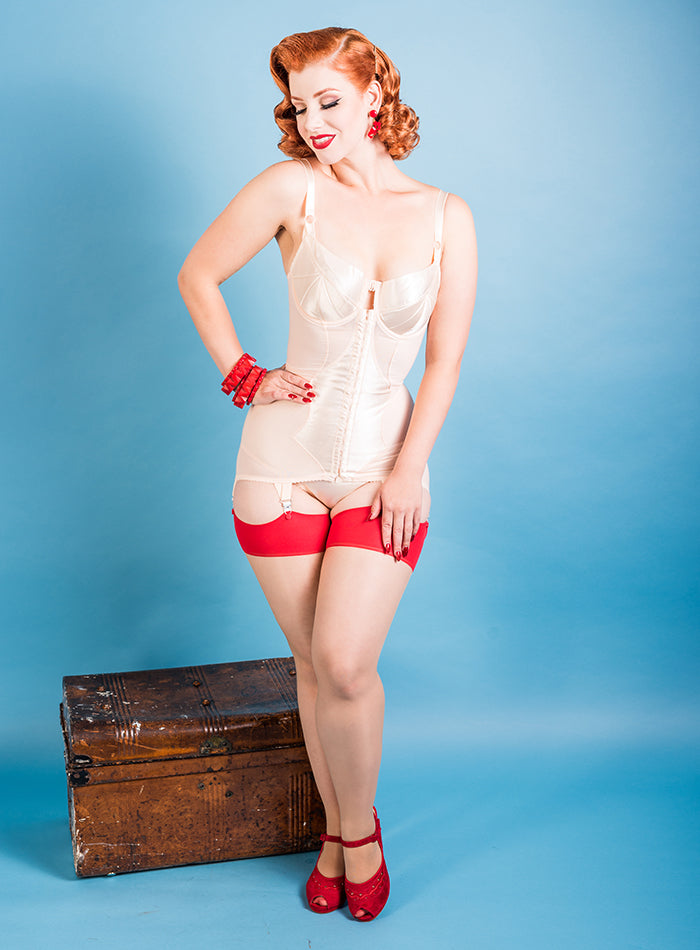 Vintage Style | Corselette Body Briefer Miss Victory Violet