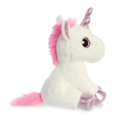 Unicorn with pink hooves from Sparkle Tales