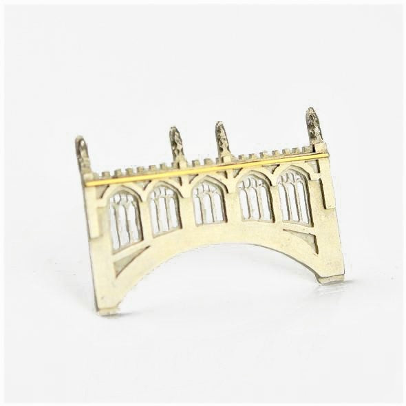 Ambery-Smith, Vicki – Silver and Gold Brooch, Bridge of Sighs