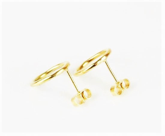 Bruun, Birgitte – Hammered Gold Circular Stud Earrings | Birgitte Bruun | Primavera Gallery