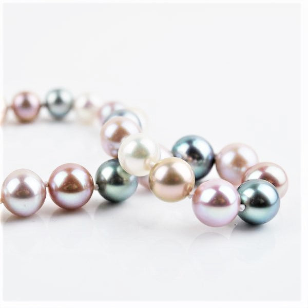 Betts, Malcolm – Tahitian Pearl Necklace | Malcolm Betts | Primavera Gallery