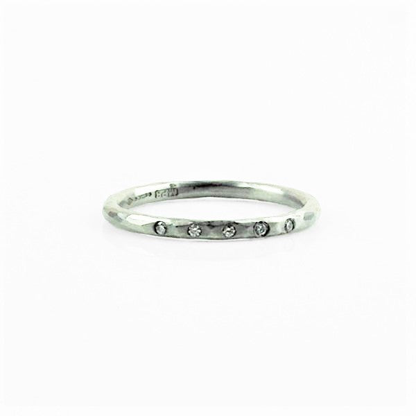 Betts, Malcolm – Channel Set Diamond Platinum Ring | Malcolm Betts | Primavera Gallery