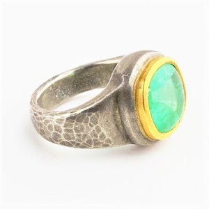 Betts, Malcolm – Hammered Silver, Gold and Emerald Ring | Malcolm Betts | Primavera Gallery